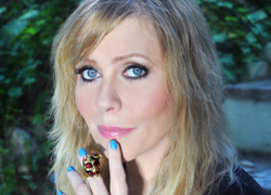 Music Spotlight & Free MP3: Bebe Buell