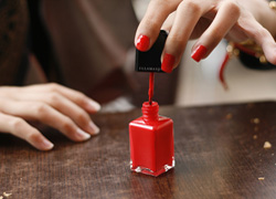 What to Wear: Top Trends in Nail Color